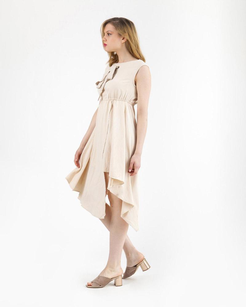 Beiges Kleid