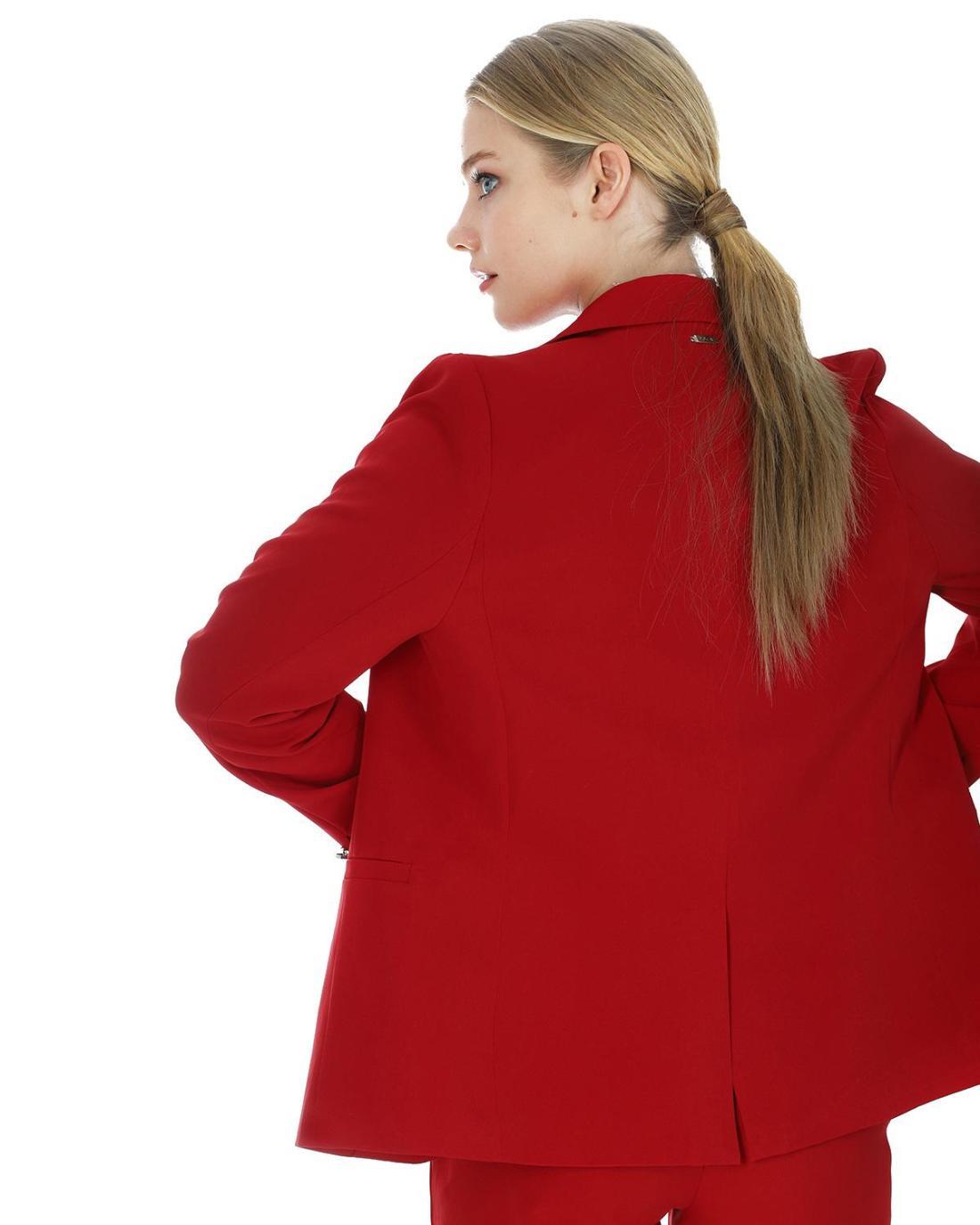 Roter Blazer
