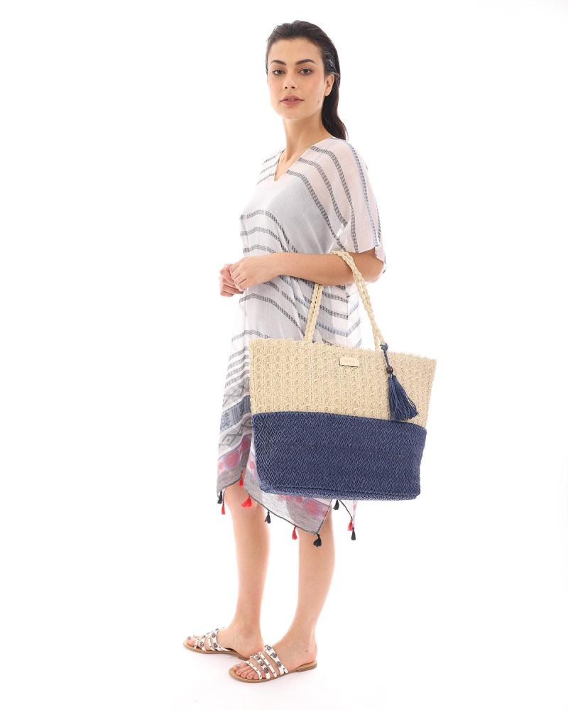 Paper straw blue beach bag