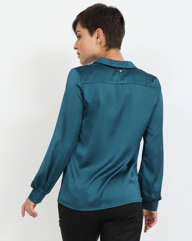 Grün hemd