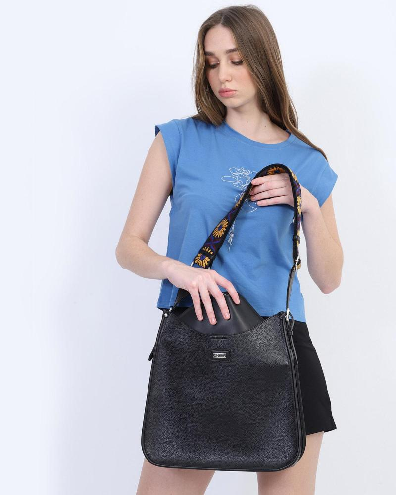 Beige shoulder bag