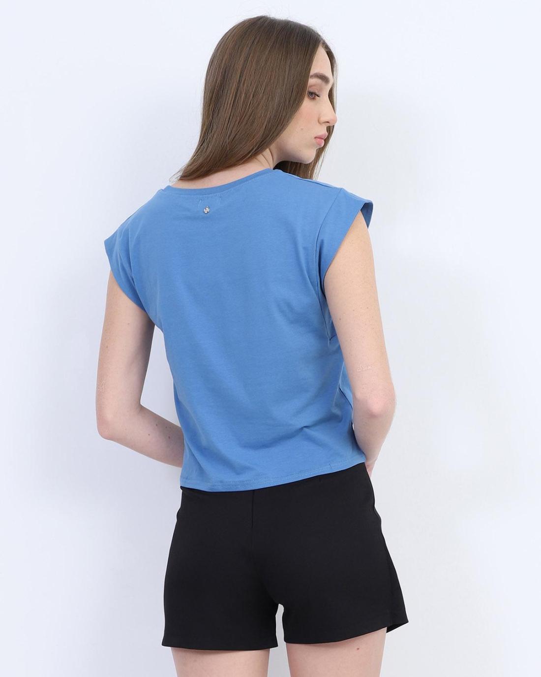 Hellblaue t-shirt bluse
