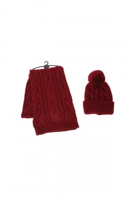 Red set of beanie, scarf
